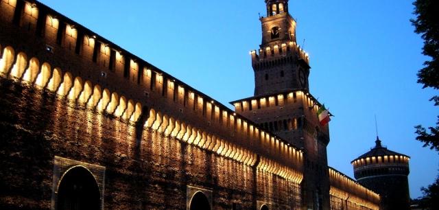 4BILD ON TOP TOUR – CON EGERPEARL SULLE MERLATE DEL CASTELLO SFORZESCO